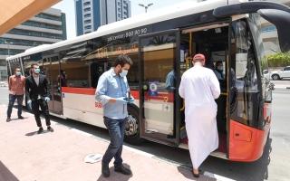 الصورة: خفض مخالفات التباعد الاجتماعي 84% في «مواصلات دبي»