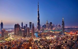 الصورة: برج خليفة يحتفل بالذكرى السنوية الـ 11 لتدشينه
