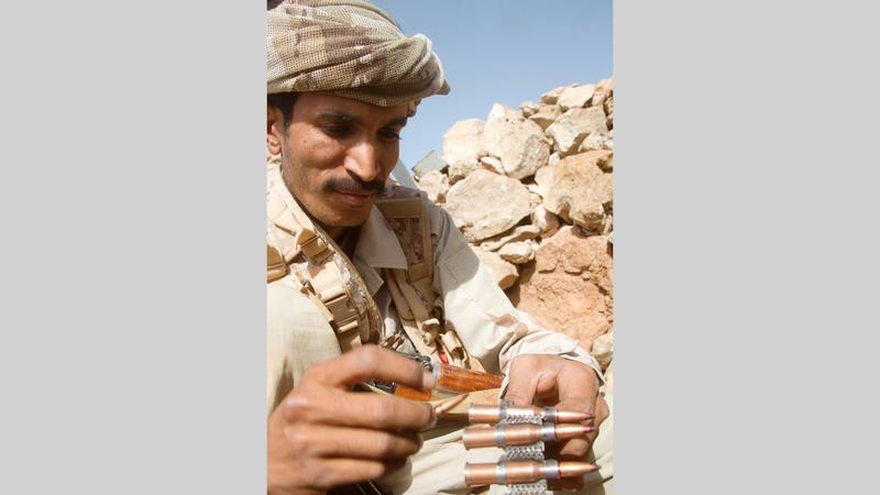 مقاتل من قوات الشرعية اليمنية.  أرشيفية