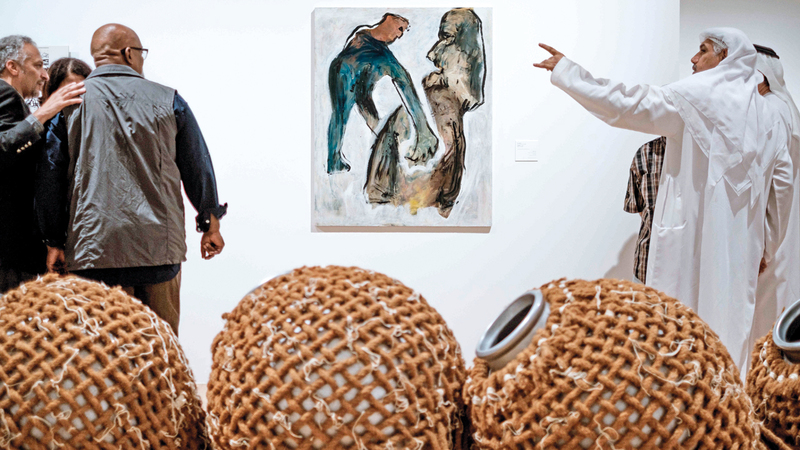 من أعمال معرض «لا نراهم لكننا.. تقصي حركة فنية في الإمارات 1988-2008». من المصدر