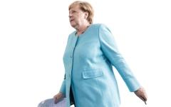 الصورة: الصحافة الألمانية تتهم ميركل بتخويف الشعب