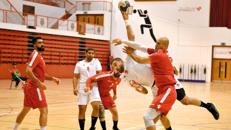 اتحاد اليد يخشى على لاعبي المنتخب الوطني من تعاقدات الأندية. ■ تصوير: مصطفى قاسمي