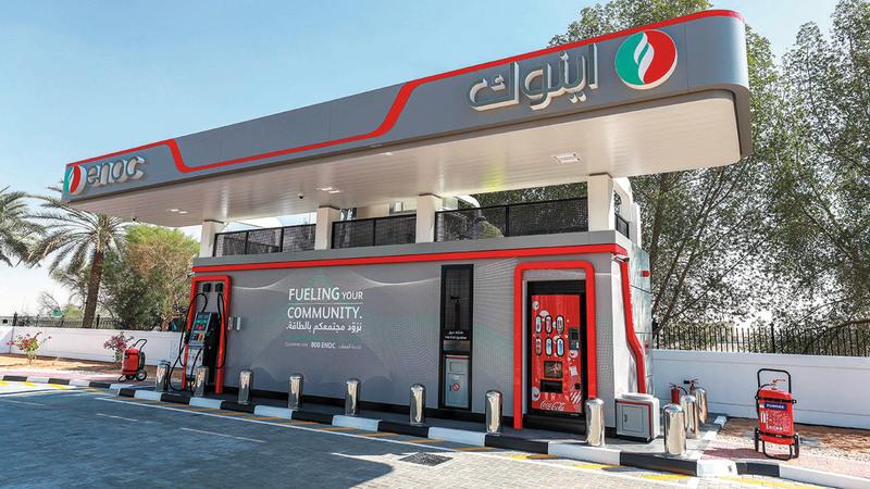 المحطة المتنقلة تلبي احتياجات 400 سيارة من الوقود يومياً. من المصدر