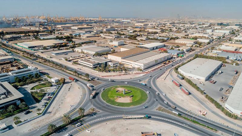 «جافزا» توفر مرونة في إجراءات ممارسة أعمال التجارة عبر «دبي التجارية». ■ أرشيفية