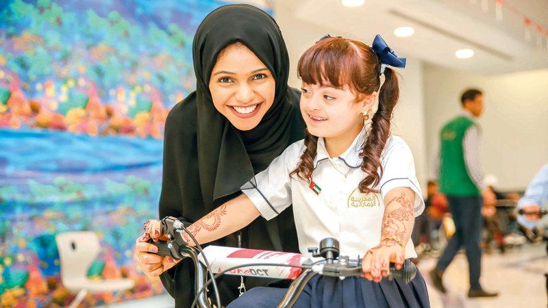 الدراجات وزعت على أطفال في دار زايد للرعاية الأسرية ومؤسسة زايد العليا لأصحاب الهمم. من المصدر