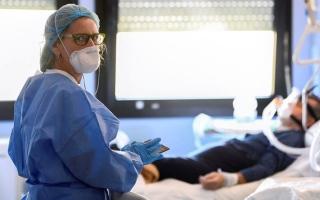 مبادرة لتوفير الرعاية الطبية لمرضى «كورونا» عن بُعد thumbnail