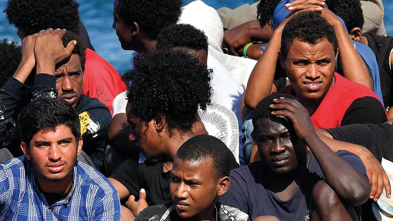 المهاجرون يضطرون إلى اتخاذ خطوات يائسة. أرشيفية