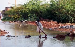 """الصورة: بسبب تراجع العملة.. السودان يعلن حالة """"طوارئ اقتصادية"""""""