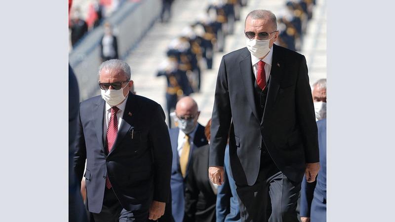 أردوغان خلال الاحتفال بيوم النصر في معركة دبلومبنار على اليونان عام 1922 الذي يصادف 30 أغسطس. إي.بي.إيه