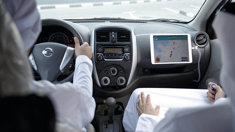 «المسار الذكي» يحسن أداء الفاحصين ويعزّز السلامة المرورية.   من المصدر