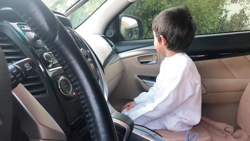 جلوس الطفل في المقعد الأمامي يشكّل خطراً على حياته. من المصدر