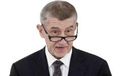 الصورة: رئيس حكومة التشيك يدافع عن بلاده ويقارن نفسه بترامب