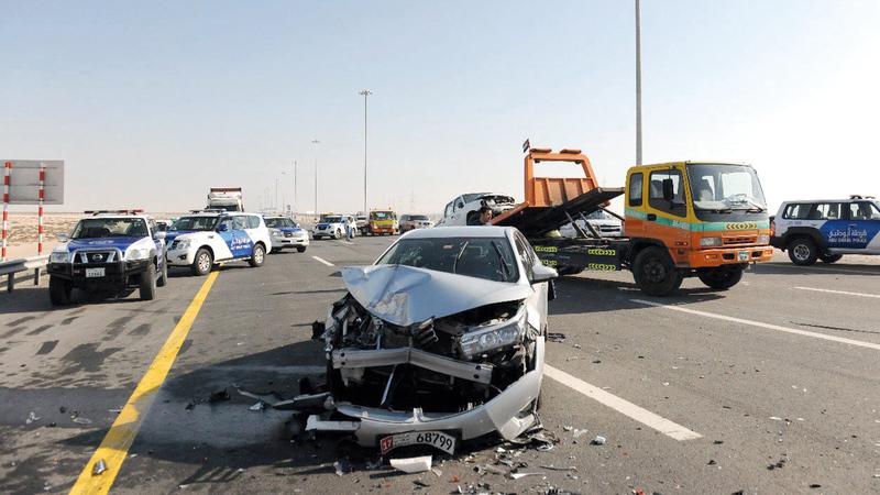 قانون حجز المركبات في أبوظبي يستهدف ردع السائقين المتهورين.  من المصدر