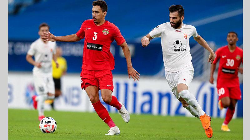 كارلوس إدواردو سجل حضوره الأول بقميص شباب الأهلي. من المصدر