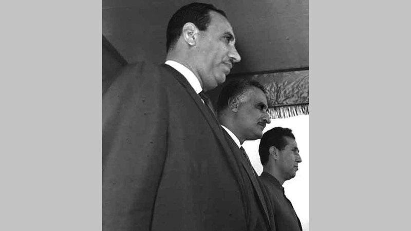 عبدالسلام عارف (الأول من اليسار) أحب عبدالناصر بشدة.  أرشيفية