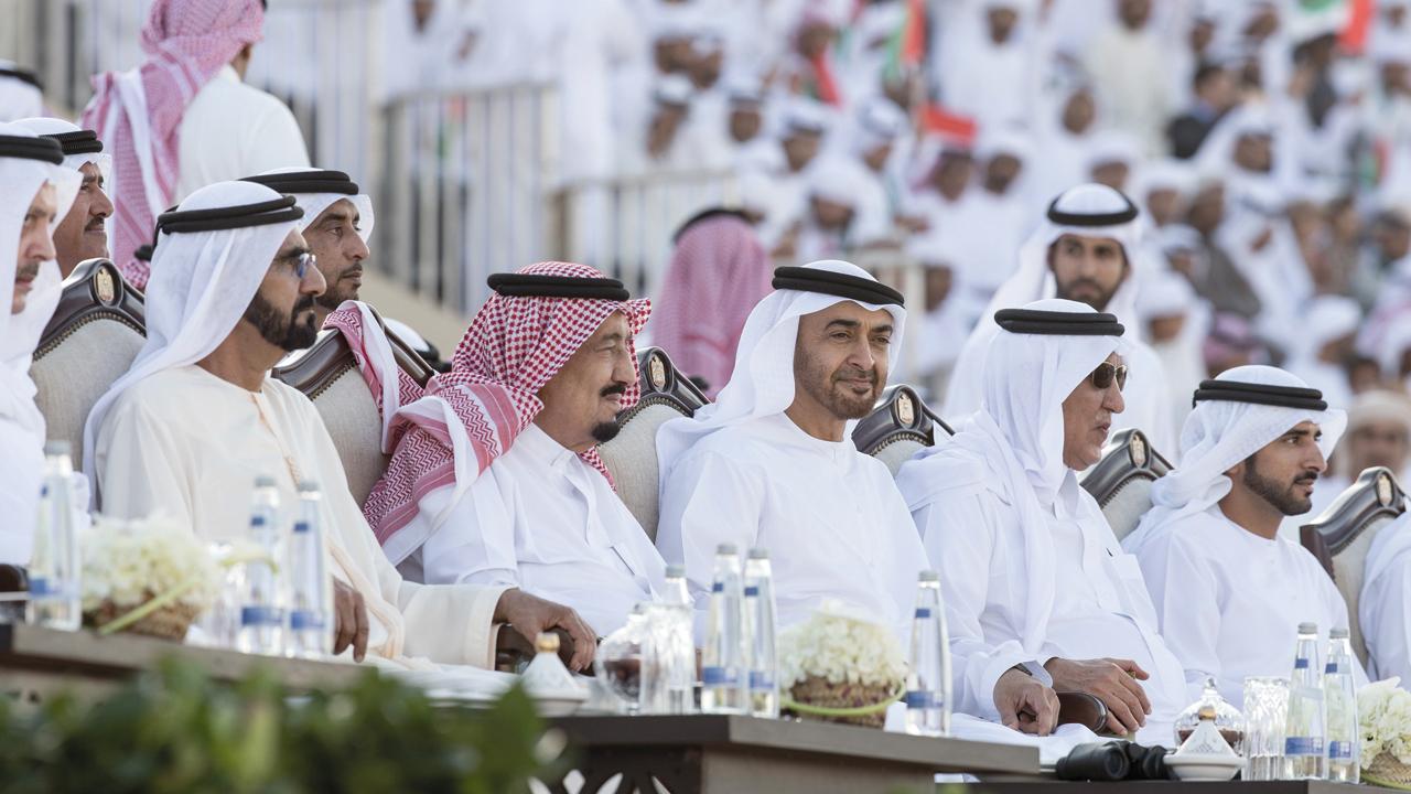 علاقة الإمارات والسعودية تستند إلى أسس تاريخية واستراتيجية رسختها الشراكة الأخوية بين قيادتي البلدين الشقيقين. أرشيفية