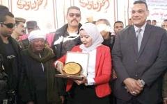 الصورة: فتاة تقود مبادرات إنهاء خصومات ثأرية بصعـــيد مصر