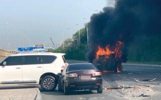 سائقون متهورون يتسببون في 25 حادثاً خطراً بأبوظبي العام الماضي thumbnail