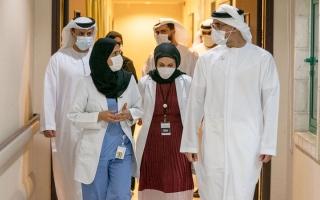 خالد بن محمد بن زايد يتلقى الجرعة الأولى من لقاح «كوفيد-19» thumbnail