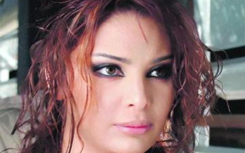 الصورة: المحكوم بتهمة قتل سوزان تميم خارج أسوار السجن