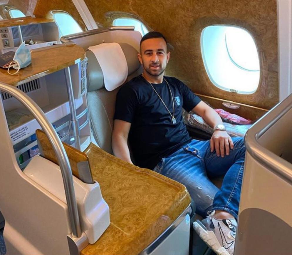 """ضياء السبع نشر صورته على """"إنستغرام"""" وأكد أنه في طريقه إلى دبي."""