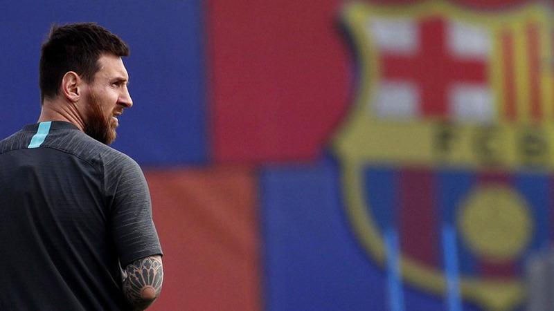 الترقب في برشلونة كبير لمتابعة ميسي في أول مباراة رسمية بعد الأزمات الأخيرة.   أ.ف.ب