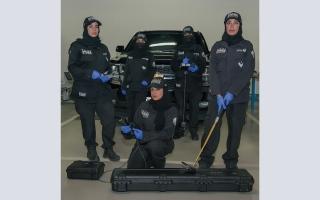 شرطة دبي تؤسس أول فريق نسائي لإبطال المتفجرات thumbnail