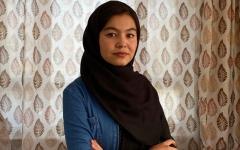 الصورة: أفغانية تحتل المركز الأول في امتحانات القبول الجامعي