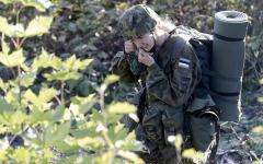 الصورة: الخدمة العسكرية تروق لنساء أستونيا وتستقطب أعداداً متزايدة منهن
