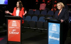 الصورة: رئيسة وزراء نيوزيلندا وزعماء دول يعترفون بتعاطي المخدرات