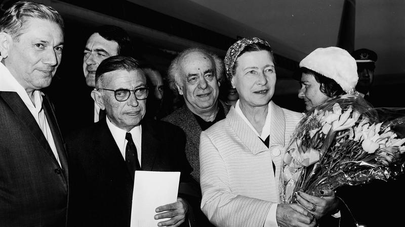 سارتر أبدى ازدواجية في موقفه من الثورة الناصرية. ■ أرشيفية