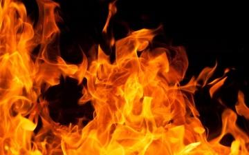 الصورة: تركت رسالة على «الفيس».. انتحار صحافية روسية حرقا أمام مركز شرطة