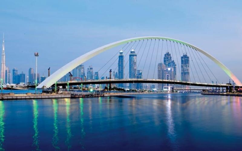 الصورة: بالفيديو.. جسور المشاة في دبي أمان وسلامة مرورية وتصاميم معمارية مميزة