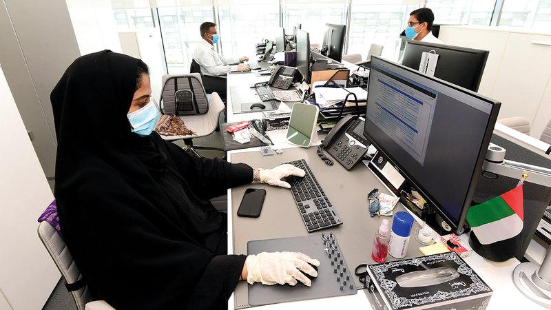 يجب الاستفادة من قوة العمل عبر وضع البدائل المناسبة لتصويب هيكل العمالة. تصوير: باتريك كاستيلو