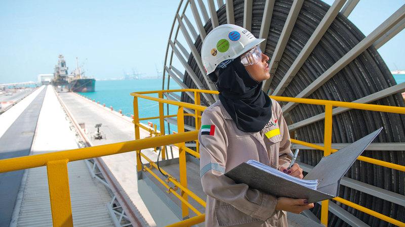 الصورة الرئيسية/// الإمارات تمكنت من التواجد ضمن مصاف دول العالم في ملف تمكين المرأة وفقاً لأفضل الممارسات العالمية. أرشيفية