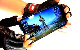 """الصورة: """"نوبيا"""" تطلق هاتفاً مخصصاً للألعاب بتقنية الجيل الخامس في الإمارات"""