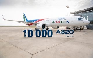 الصورة: إيرباص تُسلم الطائرة رقم 10 آلاف إلى الخطوط الجوية اللبنانية