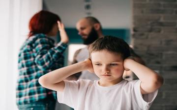 الصورة: باحثون: الصحة العقلية السيئة في الطفولة تقود إلى الانتحار والجريمة لاحقاً