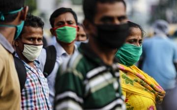 الصورة: فرضيات تحل لغز «قلة وفيات» كورونا في الهند