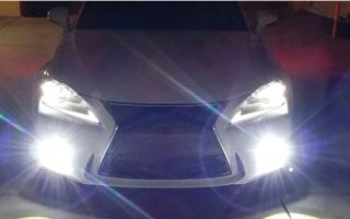 شرطة أبوظبي تحذّر من استخدام «مصابيح الضباب» في الظروف العادية thumbnail