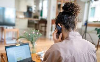 الصورة: 90% من العاملين يريدون الإبقاء على خيار العمل من المنزل