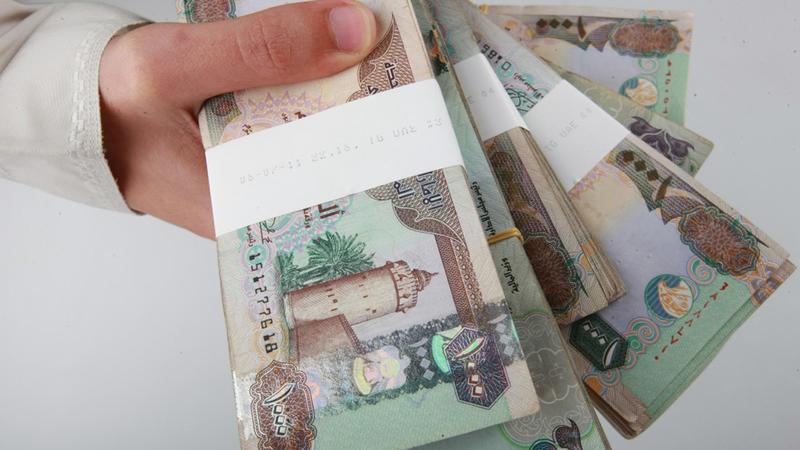 خفض الاستهلاك ينعكس إيجاباً على مستويات ادخار الأموال.   تصوير: أشوك فيرما