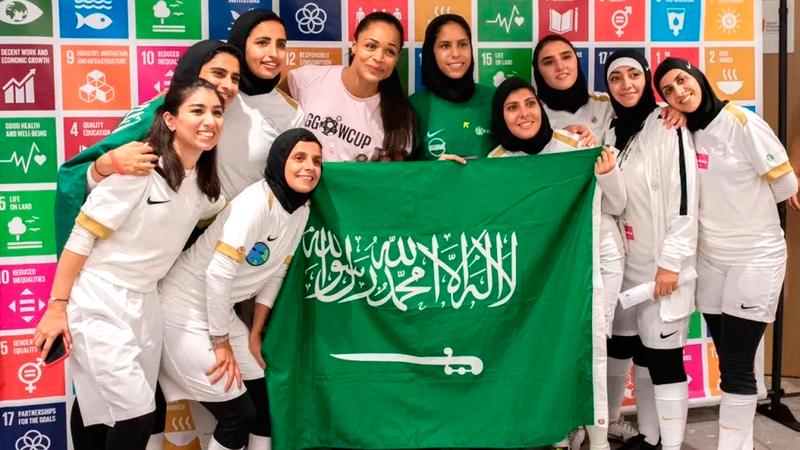 من مشاركة سابقة لفريق السعودية النسائي في بطولة «الأهداف العالمية». ■من المصدر
