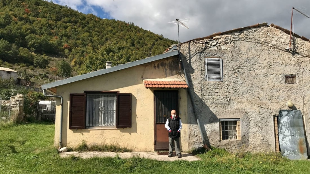 القرية . من المصدر