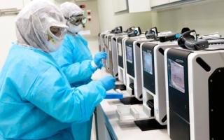 الصورة: 71.9 ألف عيّنة لتحليل «كورونا» في مختبرات «السلامة الغذائية»