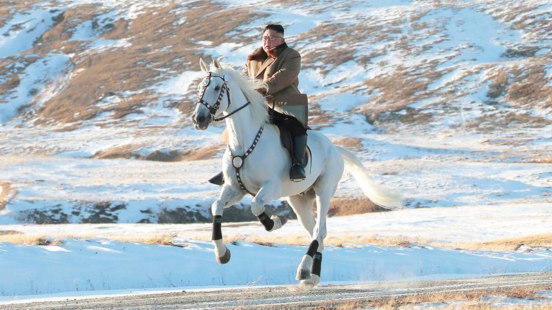 الزعيم الكوري الشمالي على جبل باكيتو المقدس في أكتوبر الماضي. من المصدر