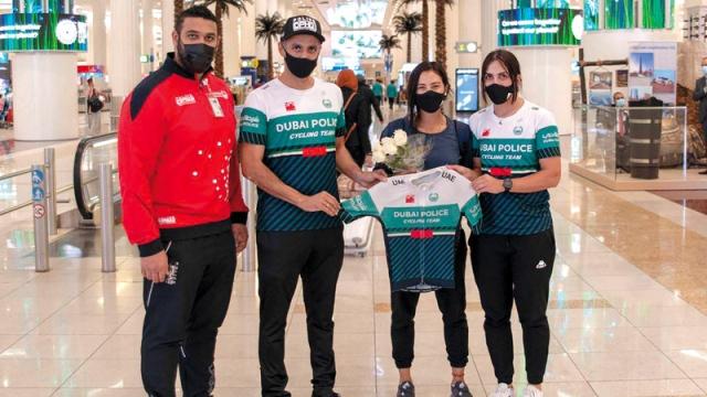 صورة البطلة ابتسام زايد تنضم إلى فريق شرطة دبي للدراجات الهوائية – رياضة – محلية