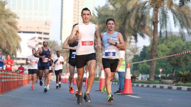 صورة «نصف ماراثون المدينة» ينطلق من أمام مركز دبي المالي اليوم – رياضة – محلية