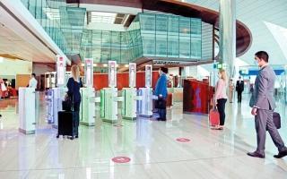 الصورة: «مسار بيومتري» متكامل لسفر دون تلامس في مطار دبي