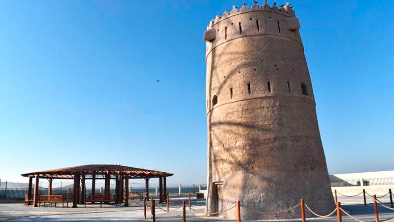 برج الطلاع اشتهر قديماً كاستراحة للقوافل والقادمين إلى الخان.           ■من المصدر